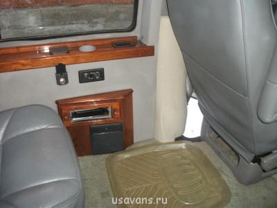 GMC Savana 2000г.в. - Салон 9.JPG