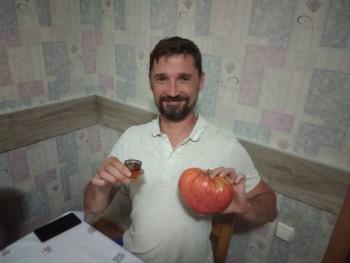Вот такие помидоры тещенька вырастила  - IMG_20190820_205806.jpg